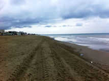 Der Strand der Himmel und die Wolken Lizenzfreies Stockfoto
