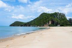 Der Strand und die Insel stockfoto