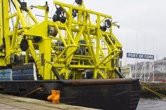 Der strenge Überbau und der Bock des niederländischen Schiffs Tridens bearthed bei Kennedy Wharf in Cork Harbour in Irland währen lizenzfreies stockfoto