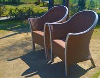 Der Stuhl ist Hauptmöbel, die als Sitz im Haus oder im Garten allgemein verwendet ist stockbilder