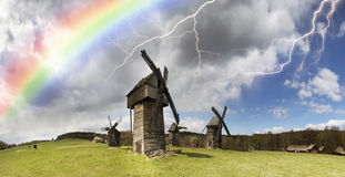 Der Sturm über Windmühlen Lizenzfreie Stockfotos
