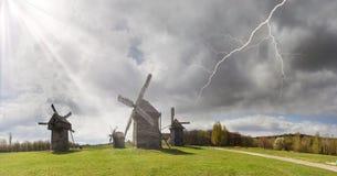 Der Sturm über Windmühlen Lizenzfreies Stockbild