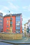 Der Stussibrunnen-Brunnen in Zürich Stockfotos