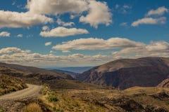 Der Swartberg-Durchlauf in der Karooregion von Südafrika lizenzfreie stockfotos