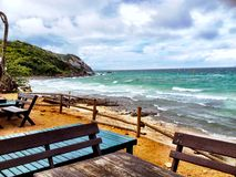 Der Tag in KOH lan-Strand lizenzfreie stockfotografie