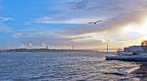 Der Tajo am Abend, Lissabon Lizenzfreies Stockfoto