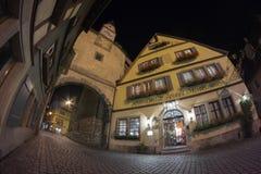 Der Tauber d'ob de Rothenburg à la soirée Photos stock