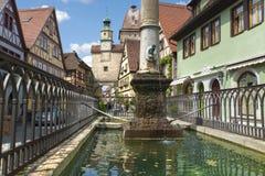 Der Tauber del ob di Rothenburg della fontana Immagini Stock Libere da Diritti