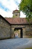 Der Tauber, fortificazione 1 del ob di Rothenburg della porta fotografia stock libera da diritti