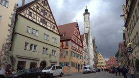 Der Tauber ob Ротенбурга, Германия - 31-ое марта 2018: Взгляд улицы der Tauber ob Ротенбурга, хорошо сохраненное средневекового видеоматериал