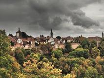 Der Tauber ob Ротенбург немецко для красной крепости над Tauber стоковая фотография rf