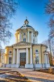Der Tempel Vladimir Icons der Mutter des Gottes im Zustand Vinogradovo Stockfotografie