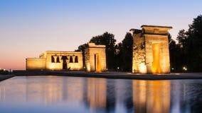 Der Tempel von Debod in Madrid bei Sonnenuntergang stockbild