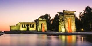 Der Tempel von Debod in Madrid bei Sonnenuntergang stockfoto