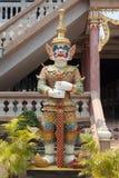 Der thailändische Artriese am thailändischen Tempel Lizenzfreie Stockfotografie