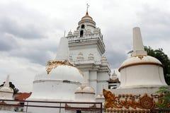 Der thailändische buddhistische Tempel Theravada in Semarang, Indonesien stockbilder