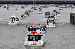 Der Themse-Diamant-Jubiläum-Festzug Lizenzfreie Stockbilder
