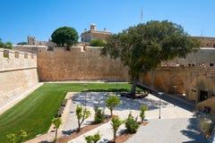 Der tiefe Abzugsgraben umgab De Redin Bastion - ein Teil des forti Stockbild