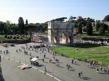 Der Titusbogen ist Arc de Triomphe, wenn ein einzelner Bogen, auf die Steigungen gelegt ist, des Palatine, in das Westteil des Ro Lizenzfreies Stockbild