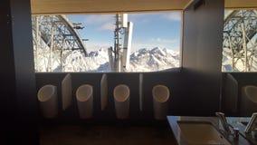 Der Toilett der Männer in Tirol Soelden Lizenzfreie Stockbilder