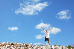 Der Tourist in einem weißen einfachen Hemd Stockbilder
