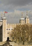 Der Tower von London Über von der Themse Stockfoto