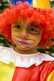 Der tragende Clown des Jungen Stockbilder