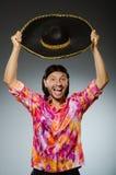 Der tragende Sombrero des jungen mexikanischen Mannes Stockbild