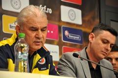 Der Trainer und die Spieler Rumäniens des nationalen Fußball-Teams während Stockbild