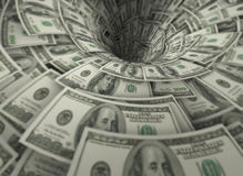 Der Trichter gemacht von hundert Dollarbanknoten Lizenzfreie Stockbilder