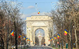 Der Triumphbogen Arcul de Triumf von Bukarest Rumänien, Nationaltag Stockfotografie