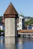 Der Turm, die Kapellen-Brücke und die Jesuit-Kirche Stockfotos
