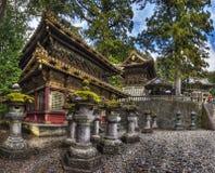 Der Turm Rinzo und der Trommel von Toshogu-Schrein, Nikko Japan lizenzfreies stockfoto