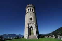 Der Turm von Avalon und von Berglandschaft Stockfotos