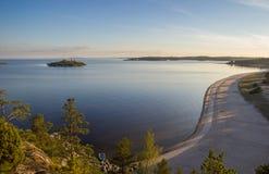 Der Ufer-Ladogasee-Skerries Karelien Russland lizenzfreies stockbild