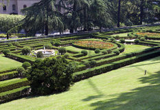 DER VATIKAN 20. SEPTEMBER: Landschaftsgestaltung an den Vatikan-Gärten am 20. September 2010 in Vatikan, Rom, Italien Stockbilder