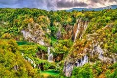 Der Veliki-Klaps-Wasserfall in den Plitvice Seen Nationalpark, Kroatien lizenzfreie stockfotografie