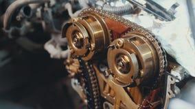 Der Verbrennungsmotor, Reparatur am Autoservice, Details unter der Haube des Autos Stockfoto