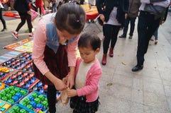 Der Verkauf der Spielwaren der Kinder Lizenzfreie Stockfotografie