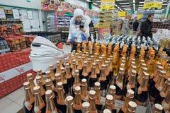 Der Verkauf des Alkohols Stockbild