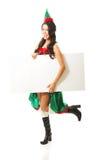 Der in voller Länge tragende Elfe Frau kleidet das Halten der weißen Fahne Lizenzfreie Stockfotos