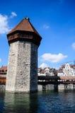 Der Waßerturm der Kapellen-Brücke Stockbilder