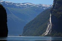 Der Wasserfall Norwegen 2 mit sieben Schwestern Lizenzfreies Stockfoto