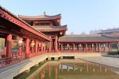 Der Wassergangpavillon von datangfurong Garten im Winter, luftgetrockneter Ziegelstein rgb Stockbilder