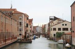 Der Wasserkanal in Venedig stockfotos