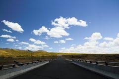 Der Weg zum Horizont lizenzfreie stockfotos