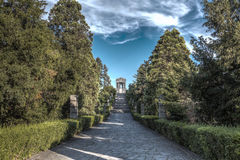 Der Weg zum Monument HDR-BILD lizenzfreies stockbild