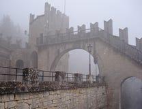 Der schneebedeckte Winter in der alten Festung Lizenzfreies Stockbild