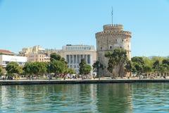 Der weiße Turm des Symbols und des Marksteins Saloniki-Stadt lizenzfreie stockbilder