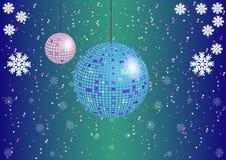 Der Weihnachtshintergrund mit Discobällen und -schneeflocken Lizenzfreies Stockbild